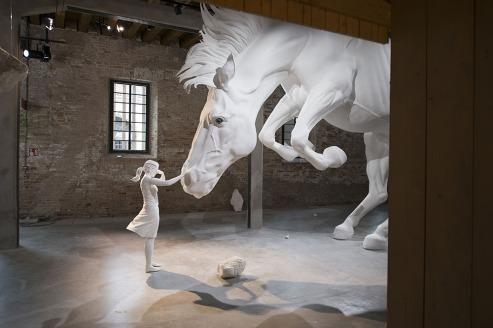 bienal de veneza - cavalo gigante